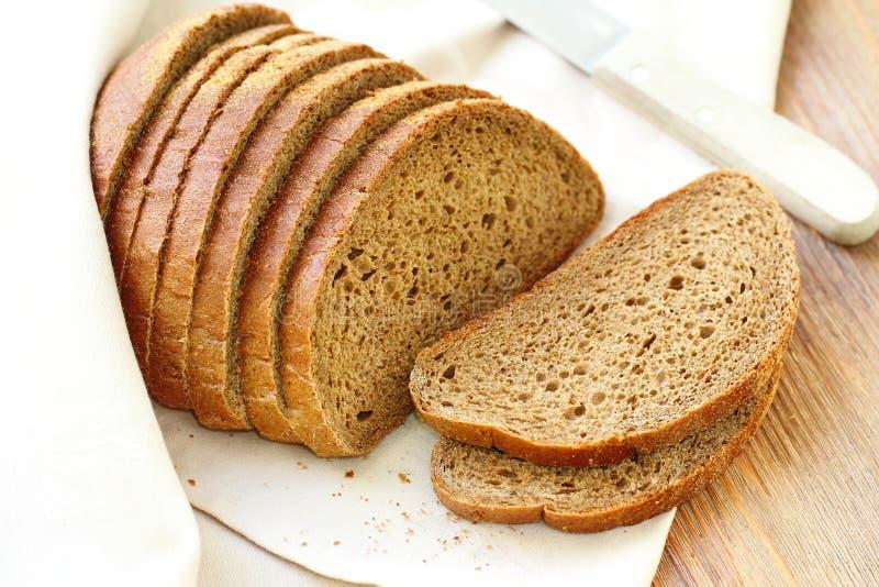 Σπιτικό ψωμί σίκαλης στοκ εικόνα με δικαίωμα ελεύθερης χρήσης