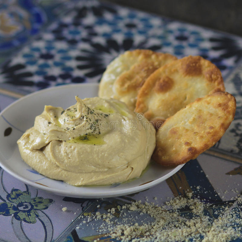 Σπιτικό hummus με το ψωμί pita στοκ εικόνες