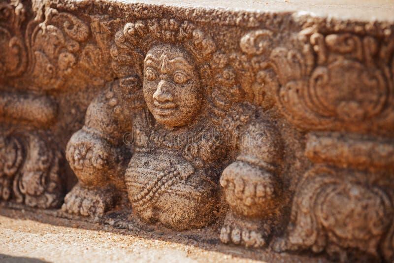 Σρι Λάνκα, Anuradhapura Μυθολογικός χαρακτήρας στον τοίχο πετρών στοκ φωτογραφίες με δικαίωμα ελεύθερης χρήσης
