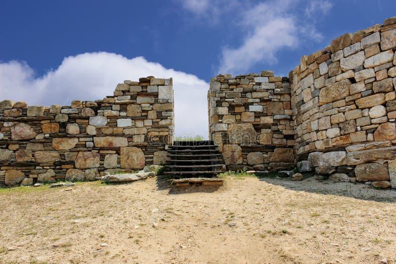 Στάγειρα - είσοδος στην αρχαία πόλη, γεννημένη κωμόπολη του ελληνικού φιλοσόφου Αριστοτέλης στοκ εικόνα