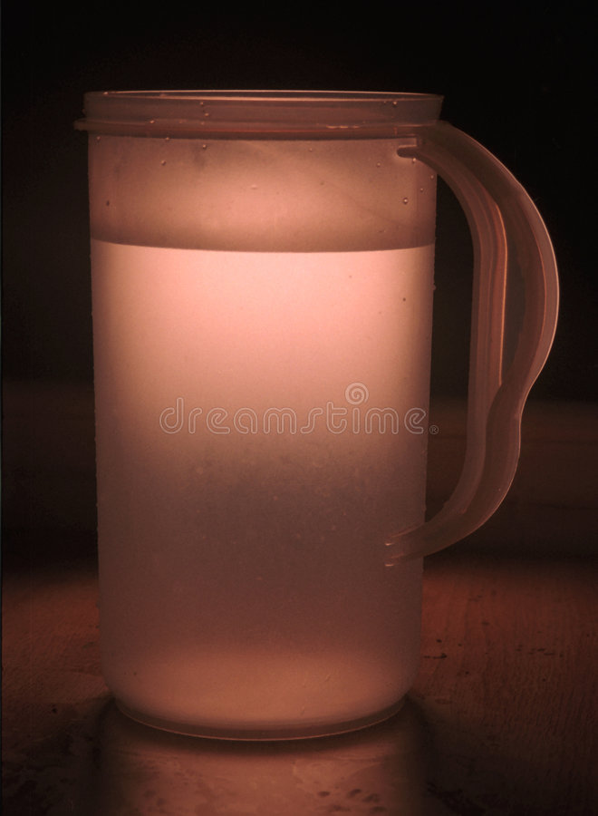 Download στάμνα στοκ εικόνες. εικόνα από ποτό, εμπορευματοκιβώτιο - 62278