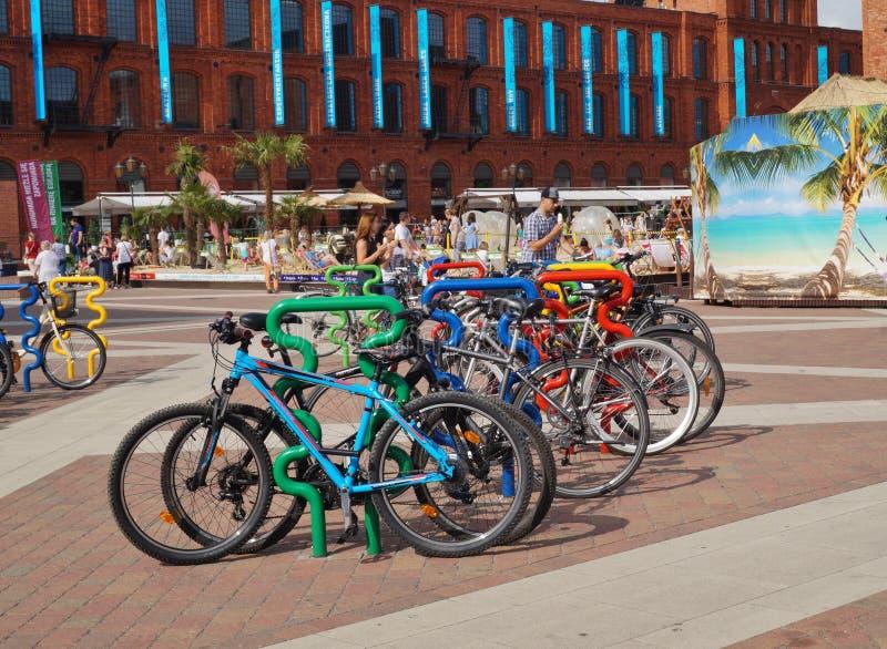 Στάση ποδηλάτων, η κατασκευή στο Λοντζ στοκ φωτογραφία με δικαίωμα ελεύθερης χρήσης