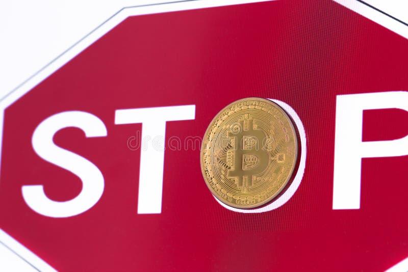 Στάση συμβόλων bitcoin στοκ φωτογραφία