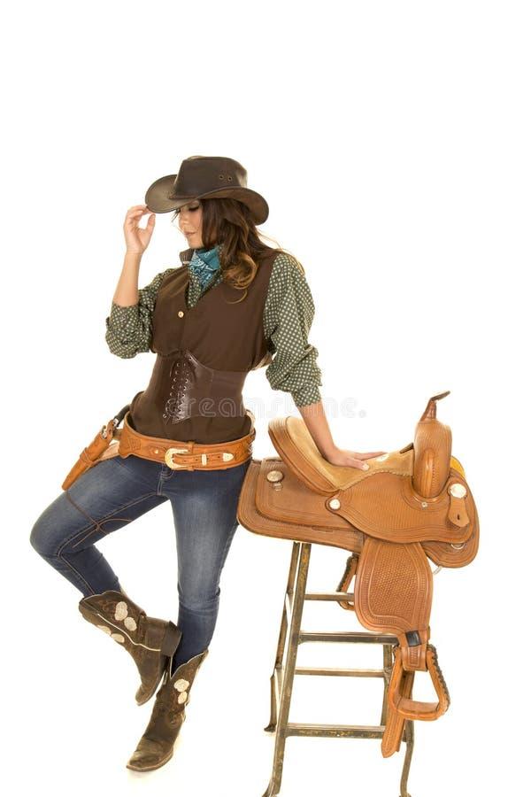 Στάση Cowgirl από τη σέλα στο σκαμνί στοκ φωτογραφία