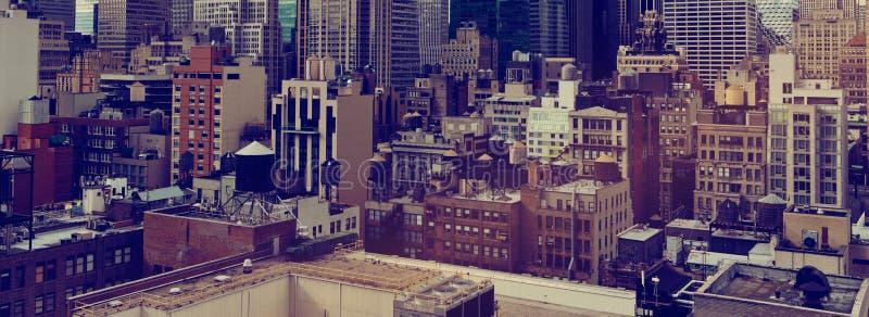 Στέγες και ουρανοξύστες πόλεων της Νέας Υόρκης στοκ εικόνες