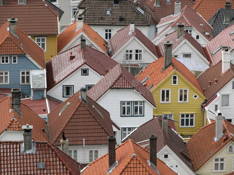στέγες του Μπέργκεν Νορβ&e στοκ φωτογραφίες με δικαίωμα ελεύθερης χρήσης