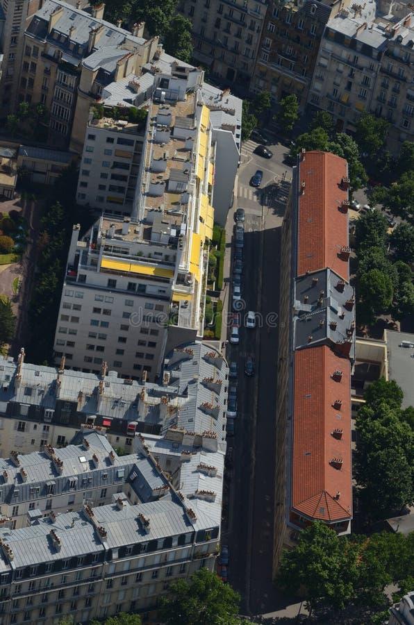 Στέγες του Παρισιού που αντιμετωπίζονται άνωθεν στοκ εικόνες