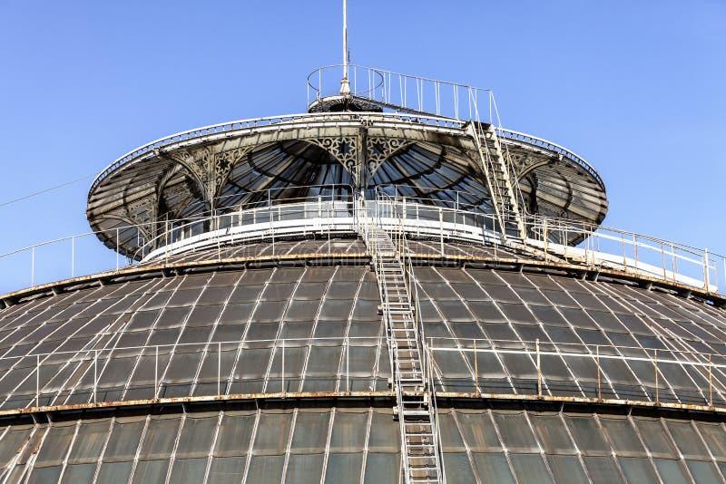 Στέγες του Vittorio Emanuele ΙΙ στοά Στέγη γυαλιού της άποψης θόλων από το Highline Galleria, Μιλάνο, Ιταλία στοκ εικόνες