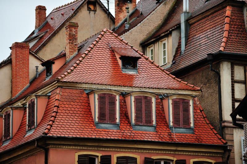 Στέγες των ιστορικών σπιτιών, Colmar, Γαλλία στοκ εικόνες