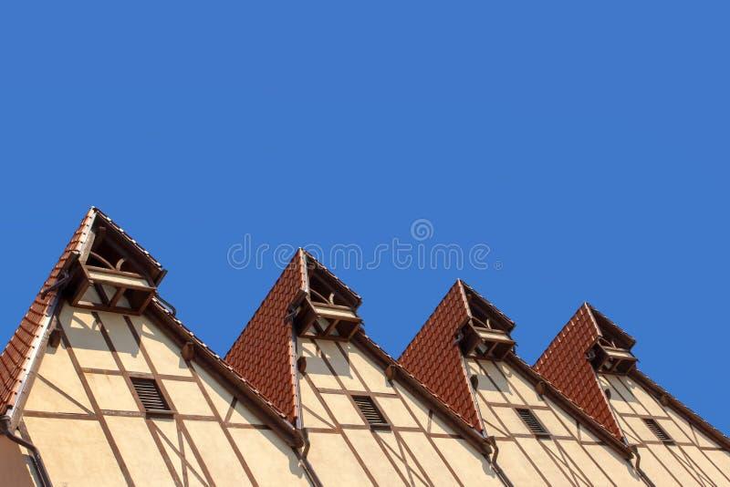 Στέγες των μισό-εφοδιασμένων με ξύλα σπιτιών στοκ φωτογραφίες με δικαίωμα ελεύθερης χρήσης