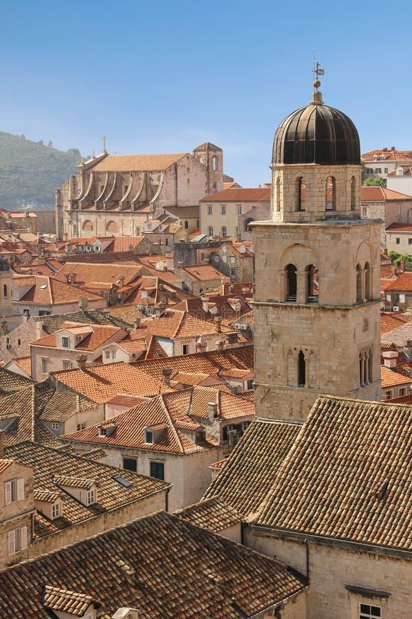 στέγες Φραντσησθανός πύργος κουδουνιών μοναστηριών dubrovnik Κροατία στοκ εικόνες