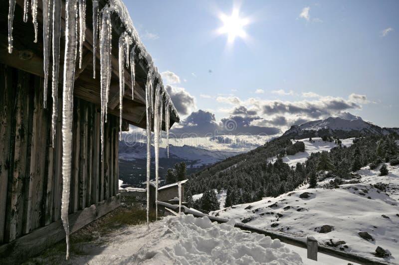στέγη πάγου καλυβών gardena val στοκ εικόνα με δικαίωμα ελεύθερης χρήσης