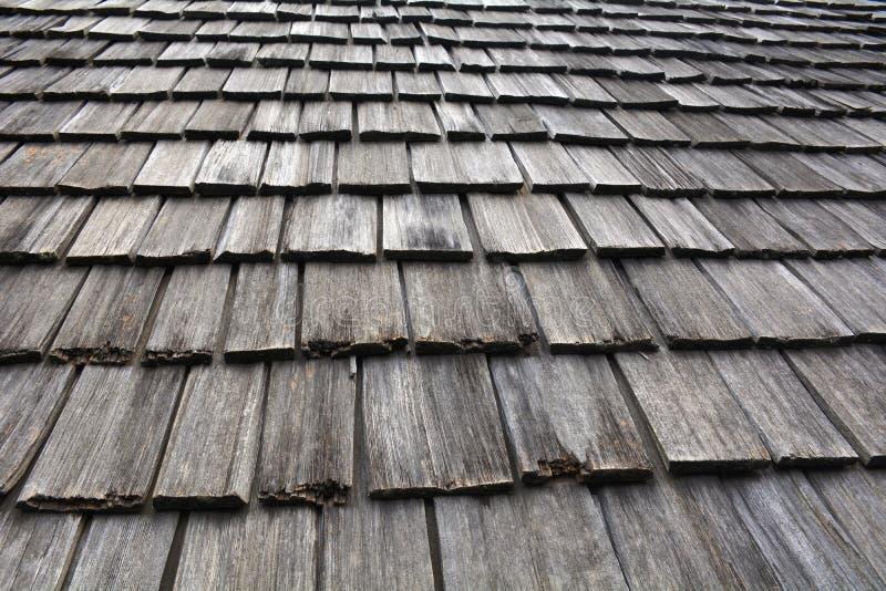 Στέγη της καλύβας φιαγμένης επάνω από ξύλο στοκ εικόνες