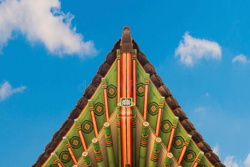 Στέγη του παλατιού Gyeongbokgung στην Κορέα στοκ εικόνες