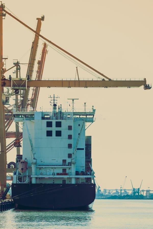 Στέλνοντας ναυπηγείο, βιομηχανική σκηνή στοκ φωτογραφίες