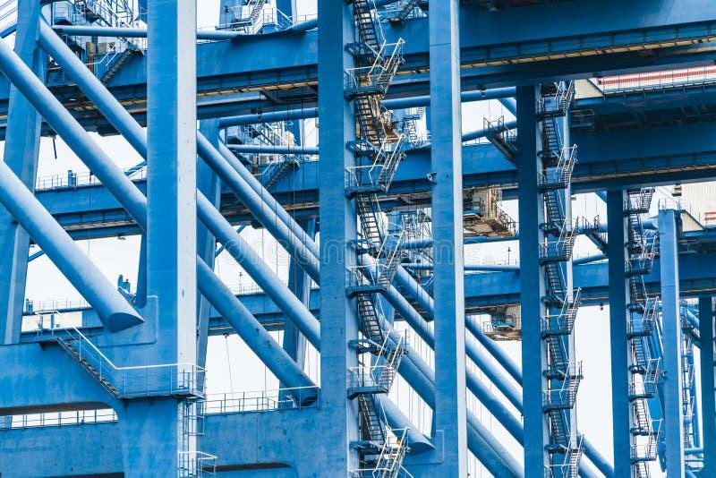 Στέλνοντας φορτίο στο λιμάνι από το γερανό, tianjin, Κίνα στοκ φωτογραφίες