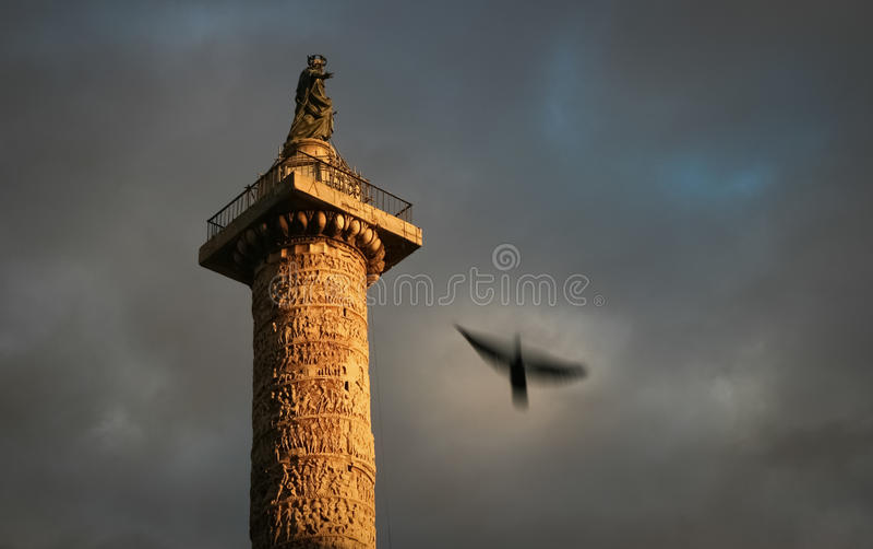 στήλες Ιταλία Ρώμη του Adrian στοκ φωτογραφία με δικαίωμα ελεύθερης χρήσης