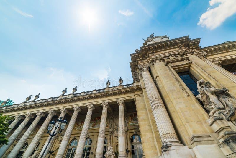 Στήλες στη μεγάλη πρόσοψη Palais στο Παρίσι στοκ εικόνες με δικαίωμα ελεύθερης χρήσης