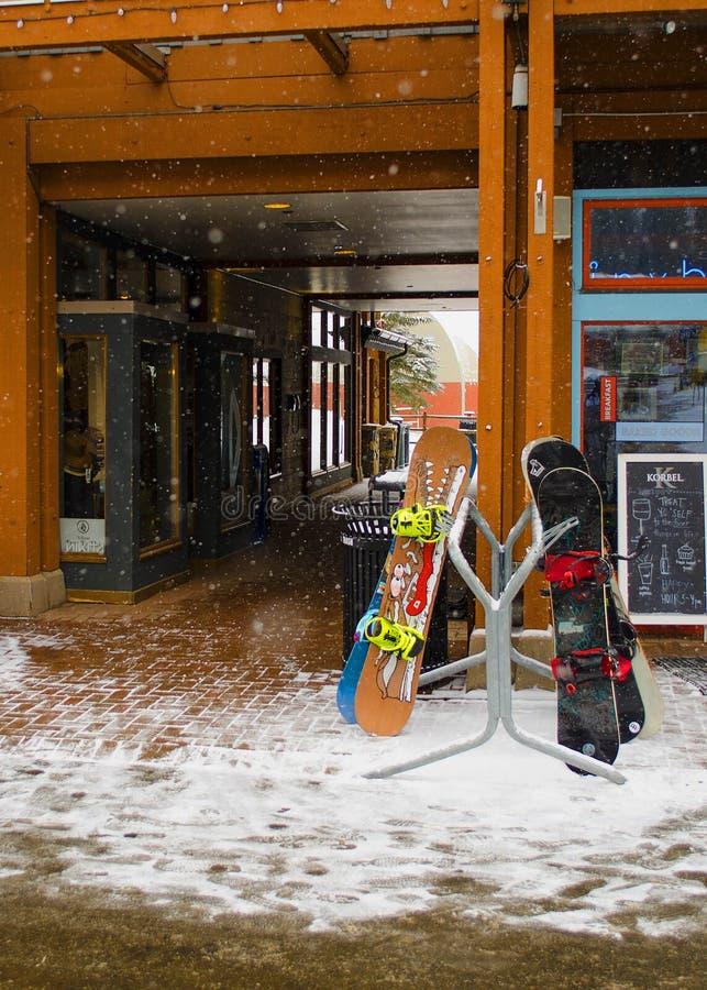Στήριξη πινάκων χιονιού στοκ φωτογραφίες με δικαίωμα ελεύθερης χρήσης