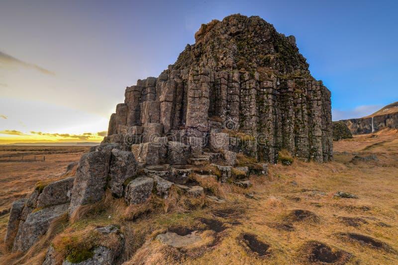 Στήλες βασαλτών Dverghamrar, Ισλανδία στοκ φωτογραφίες