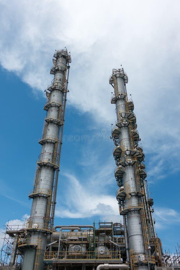 Στήλες διαδικασίας των εγκαταστάσεων φυσικού αερίου στοκ εικόνα