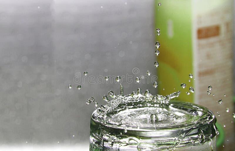 Σταγόνα βροχής παφλασμών στοκ φωτογραφία με δικαίωμα ελεύθερης χρήσης