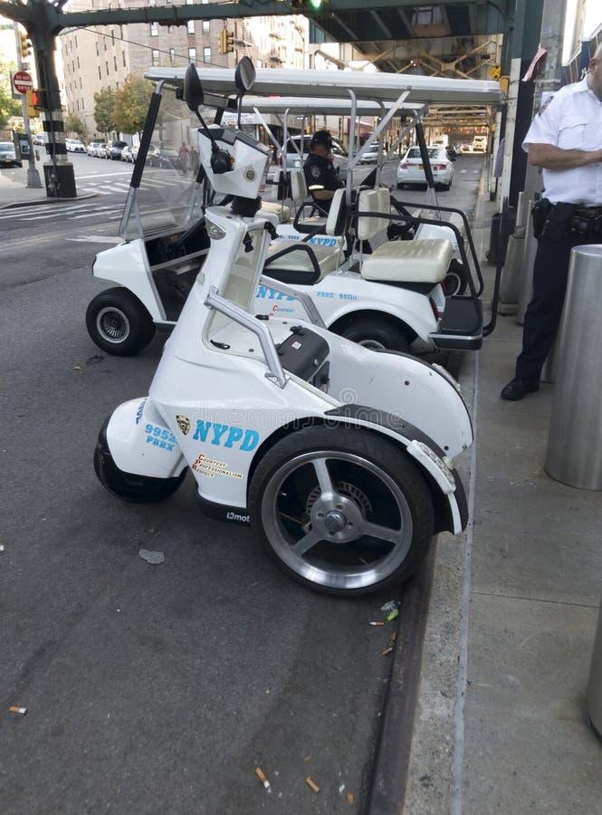 Σταθμευμένη ηλεκτρική στάση κινήσεων NYPD T3 επάνω στα οχήματα στο Bronx στοκ φωτογραφίες