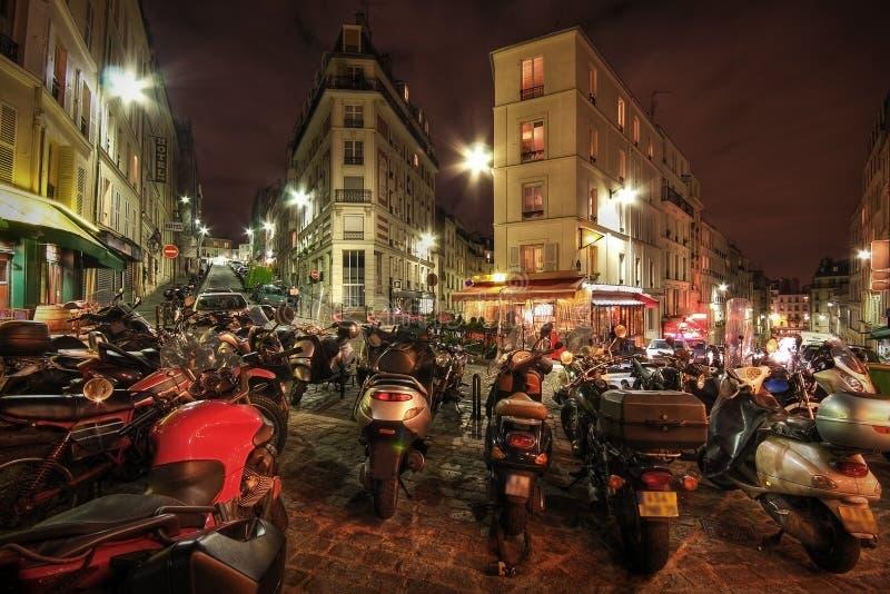 σταθμευμένη μοτοσικλέτ&epsil στοκ φωτογραφία με δικαίωμα ελεύθερης χρήσης