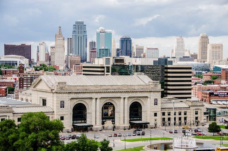 Σταθμός ένωσης και άποψη της στο κέντρο της πόλης πόλης του Κάνσας στοκ φωτογραφία