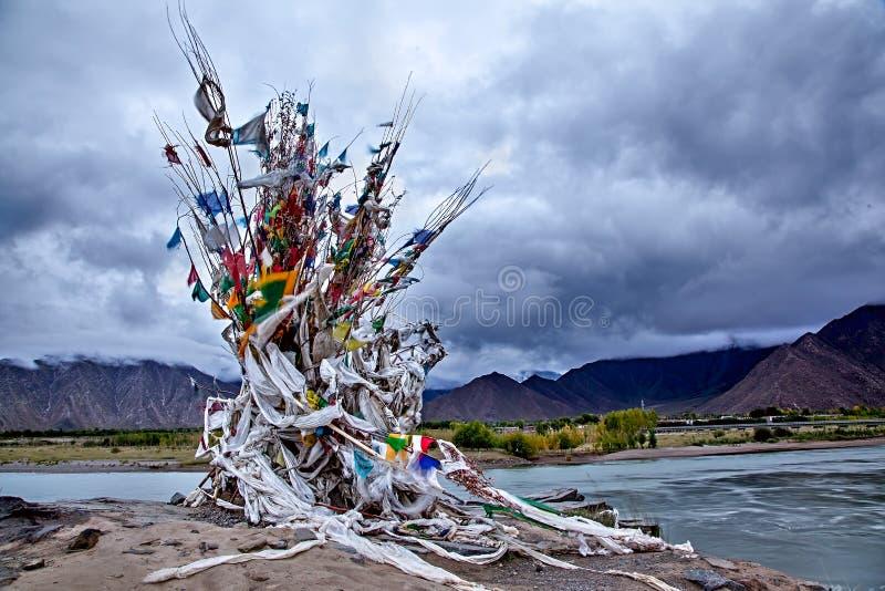 Σταθμός ενταφιασμών νερού στον ποταμό Lhasa στοκ εικόνες