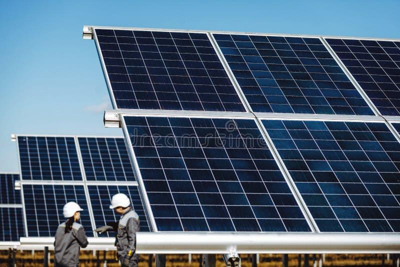 Σταθμός ηλιακής ενέργειας στοκ εικόνες