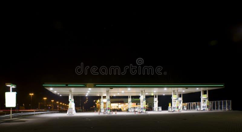 σταθμός νύχτας αερίου στοκ φωτογραφίες