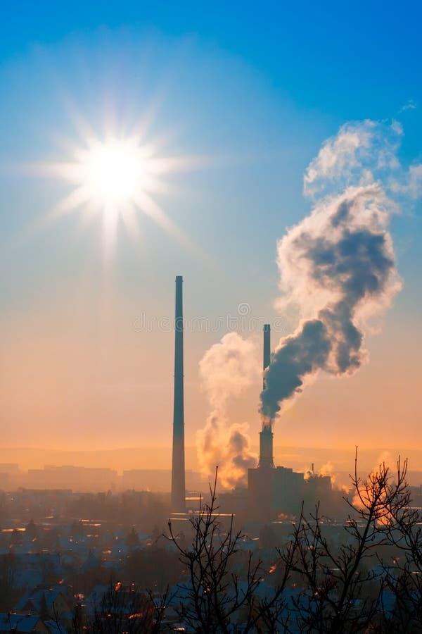 σταθμός παραγωγής ηλεκτρικού ρεύματος θερμικός στοκ φωτογραφίες με δικαίωμα ελεύθερης χρήσης