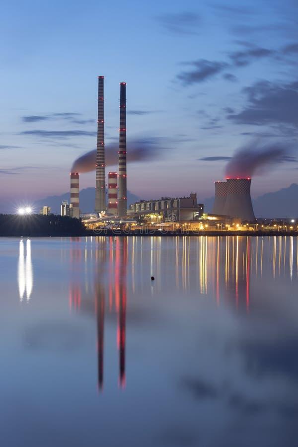 Σταθμός παραγωγής ηλεκτρικού ρεύματος στην Πολωνία Rybnik στοκ φωτογραφία με δικαίωμα ελεύθερης χρήσης