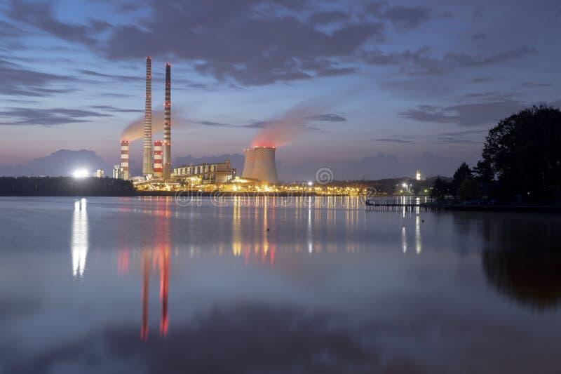 Σταθμός παραγωγής ηλεκτρικού ρεύματος στην Πολωνία Rybnik στοκ εικόνες με δικαίωμα ελεύθερης χρήσης