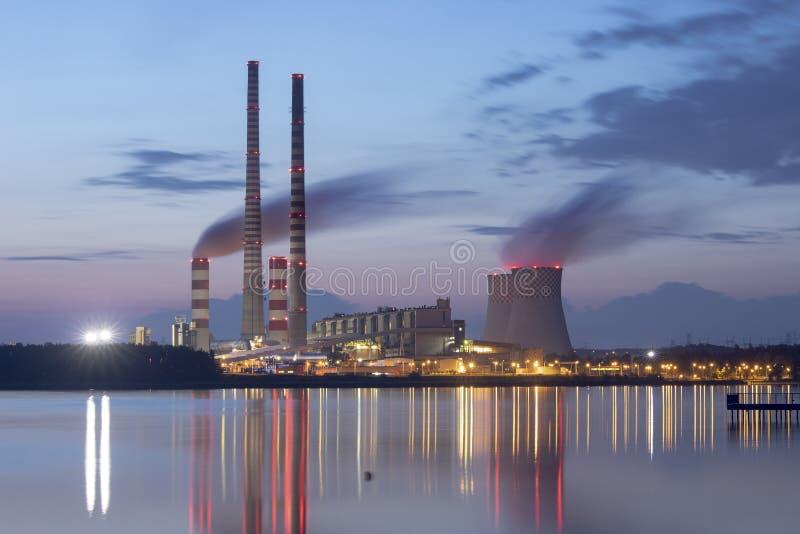 Σταθμός παραγωγής ηλεκτρικού ρεύματος στην Πολωνία Rybnik στοκ εικόνα