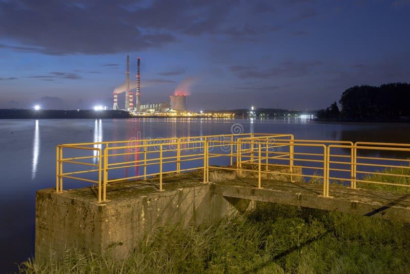 Σταθμός παραγωγής ηλεκτρικού ρεύματος στην Πολωνία Rybnik στοκ φωτογραφίες