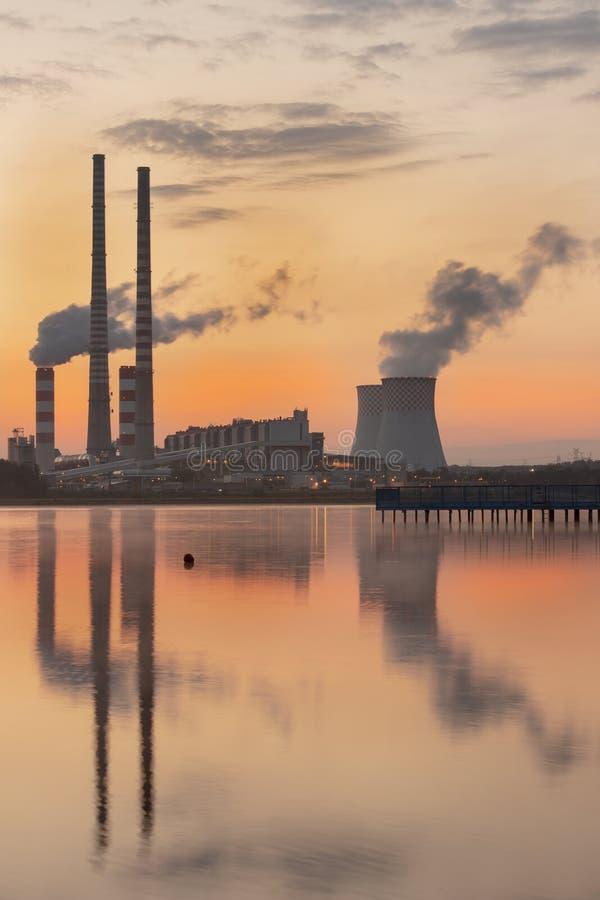 Σταθμός παραγωγής ηλεκτρικού ρεύματος στην Πολωνία Rybnik στοκ εικόνες