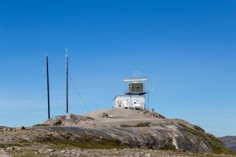 Σταθμός πύργων ραντάρ σε Kangerlussuaq, Γροιλανδία στοκ εικόνες