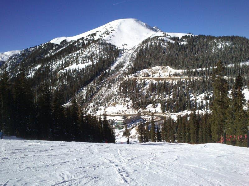 Σταθμός σκι α-λεκανών στοκ φωτογραφία