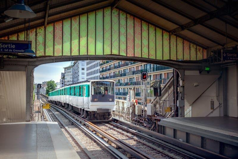 σταθμός του Παρισιού μετρό στοκ φωτογραφία