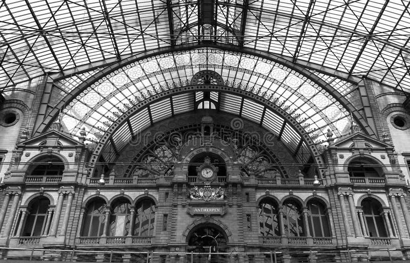 Σταθμός τρένου στοκ εικόνα με δικαίωμα ελεύθερης χρήσης