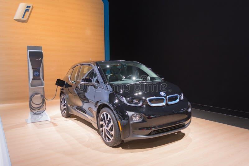 Download Σταθμός χρέωσης της BMW i3 εκδοτική εικόνες. εικόνα από αγωγιμότητα - 62702426