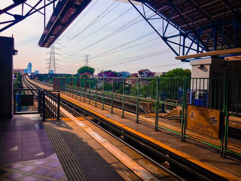 ΣΤΑΘΜΌΣ TAMAN BAHAGIA Σταθμός διέλευσης LRT σιδηροδρόμων της Μαλαισίας στοκ εικόνα