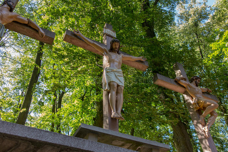 Σταυροί Ιησούς και οι δύο κλέφτες σε Calvary Διεθνές Shri στοκ φωτογραφίες