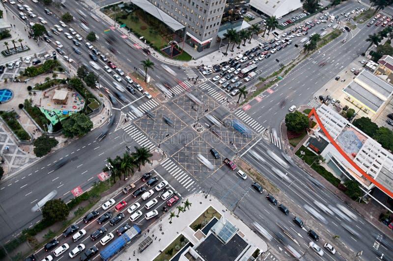 Σταυροδρόμια και κυκλοφορία στην πολυάσχολη σύνδεση Νότια Αμερική στοκ φωτογραφία με δικαίωμα ελεύθερης χρήσης