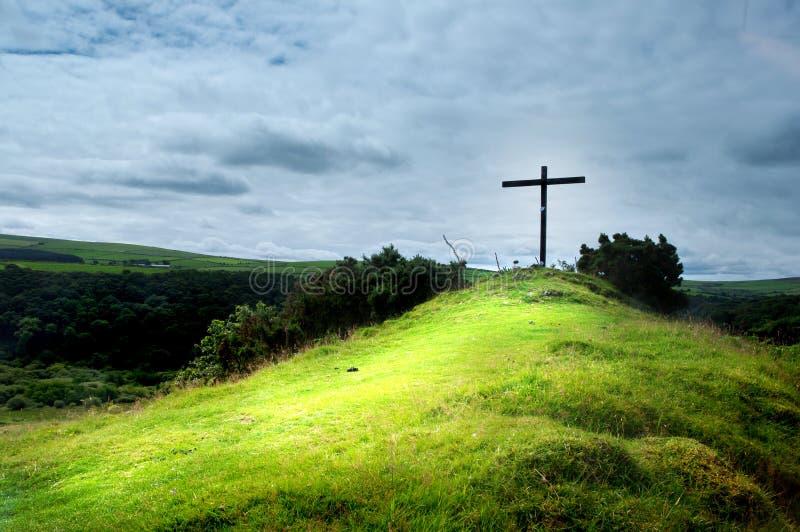 Σταυρός σε έναν λόφο στοκ φωτογραφίες