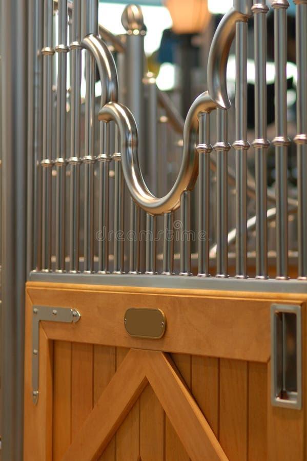 σταύλος πορτών κιβωτίων στοκ εικόνα με δικαίωμα ελεύθερης χρήσης