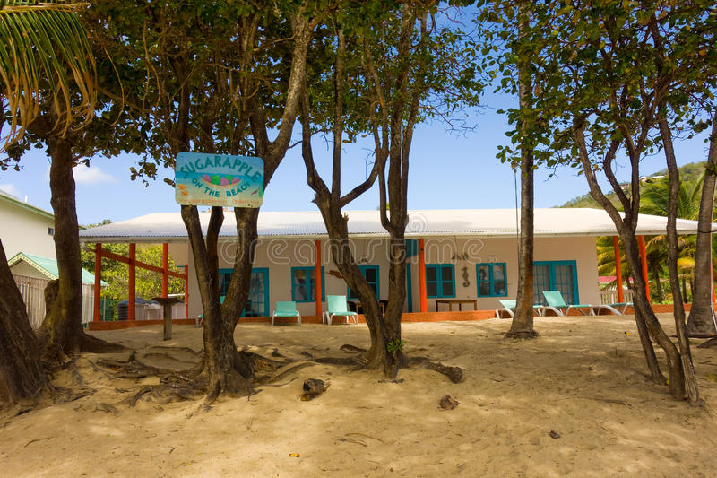 Στεγάσεις Beachfront στα προσήνεμα νησιά στοκ εικόνα με δικαίωμα ελεύθερης χρήσης