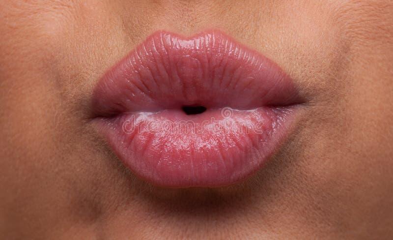 στενά χείλια χτυπήματος &omicron στοκ φωτογραφία